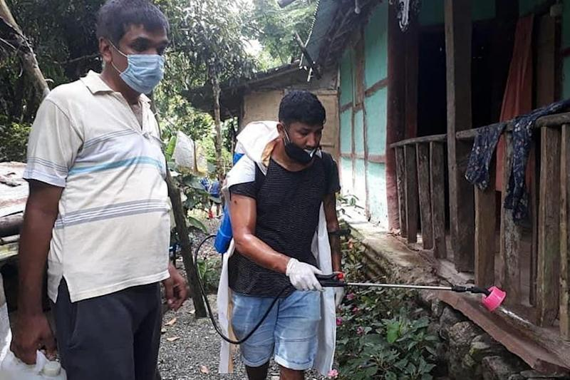 Hero Off the Field: India Footballer Nirmal Chettri Leads Sanitization Drive in His Community
