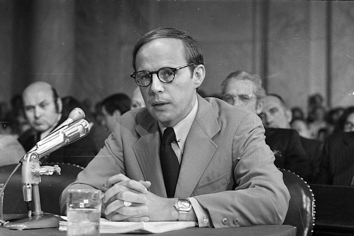 <p>Former White House aide John Dean III pauses while reading a prepared statement before the Senate Watergate Committee, June 25, 1973. (Photo: AP) </p>