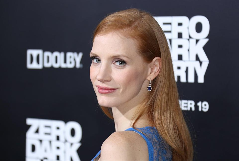<p>For the premiere of film <strong>Zero Dark Thirty</strong>, Chastain showed up with sleek, straight hair and a deep side part.</p>
