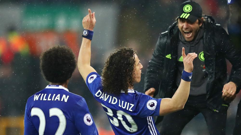 HD David Luiz Chelsea celebrate v Liverpool