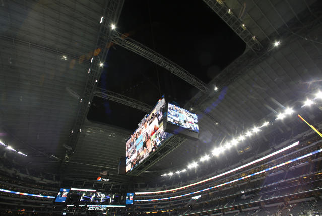 Attendance appears to be sparse for Thursday's matchup between Dallas and Washington. (AP)