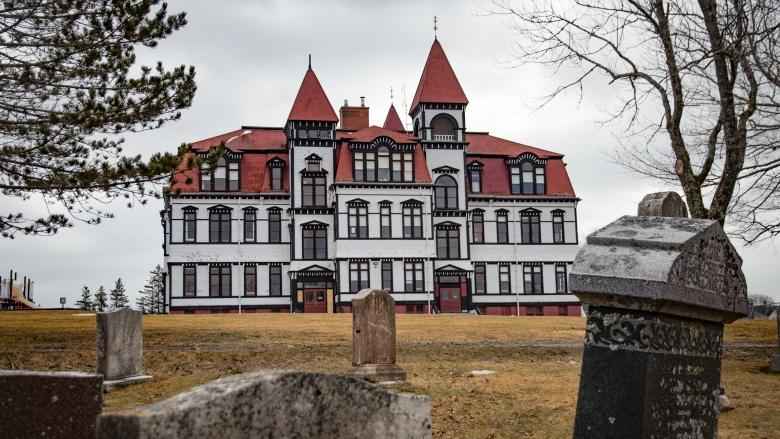 Parks Canada to spend up to $1M on Lunenburg Academy restoration