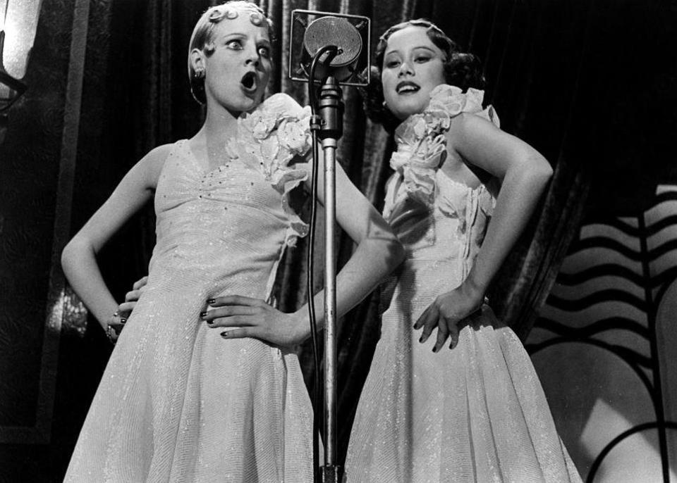 Singers (Jodie Foster on the left) in a scene from the film 'Bugsy Malone', 1976.