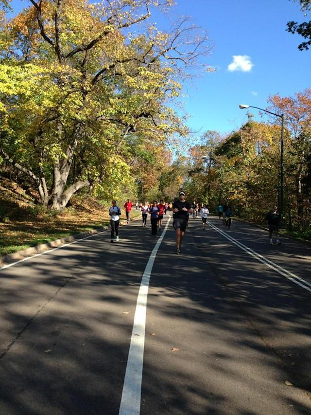 More #unofficial #nycmarathon runners coming at ya.