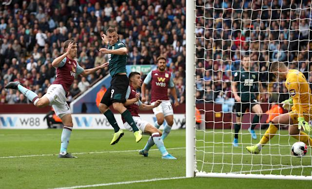 Wood scores to earn Burnley a 2-2 against Aston Villa (Photo by Ian MacNicol/Getty Images)