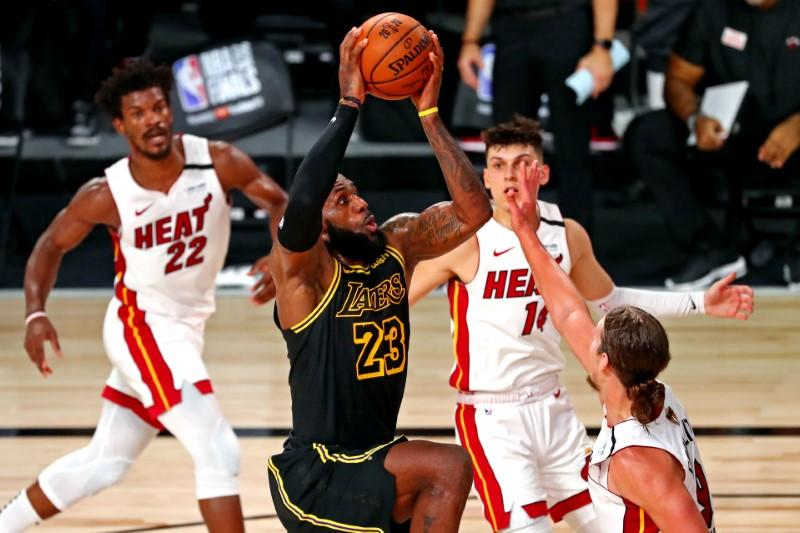 LeBron, Davis lead Lakers charge in Game 2 win over Heat