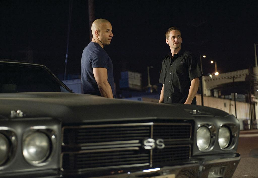 "4/3 - <a href=""http://movies.yahoo.com/movie/1809989992/info"">FAST & FURIOUS</a>   Paul Walker and Vin Diesel return to fight crime and drive really fast."
