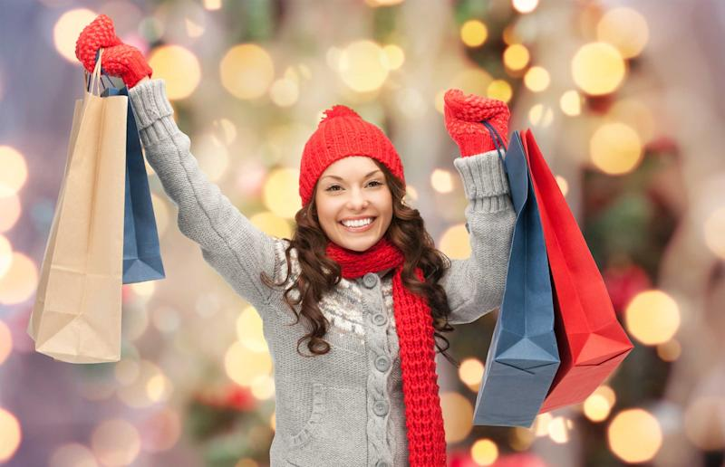 How to Holiday Shop When You Have Student Loan Debt