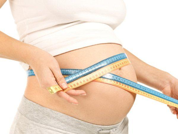 "<p><strong>Image courtesy : iDiva.com</strong></p><p><strong>Do I put on more weight with a twin pregnancy?</strong> </p> <p>It is a common misconception that with a twin pregnancy, the amount of food and calorie intake also increases adding to the weight of the expecting mom.  Most women are concerned about how much weight gain they will be subjected to and if they can get rid of it after delivery. Dr. Sauhta rubbishes these as misconceptions and explains, âœThere is no reason to follow any special diet or take extra medication unless the patient has an underlying condition that in the long run can cause trouble. The children will take whatever nutrition they require from the mom's body irrespective of extra diet or not.â""</p> <p>Most women manage to lose the weight they put on during their pregnancy either naturally or through extra effort.</p> <p>The increase in body weight though is double as compared to a single pregnancy. Dr. Agrawal mentions, âœMany women believe that being pregnant with twins requires an enormous amount of food, which is not the case. Although 5. 35 to 45 lbs of weight gain is expected in twin pregnancy. That is nearly 50% more than what is recommended in single pregnancies.â""</p><p><strong>Related Articles - </strong></p><p><a href='http://idiva.com/photogallery-iparenting/12-expert-tips-for-moms-carrying-twins/23791' target='_blank'>12 Expert Tips for Moms Carrying Twins</a></p><p><a href='http://idiva.com/news-relationships/a-bit-two-much/523' target='_blank'>A bit 'two' much!</a></p>"
