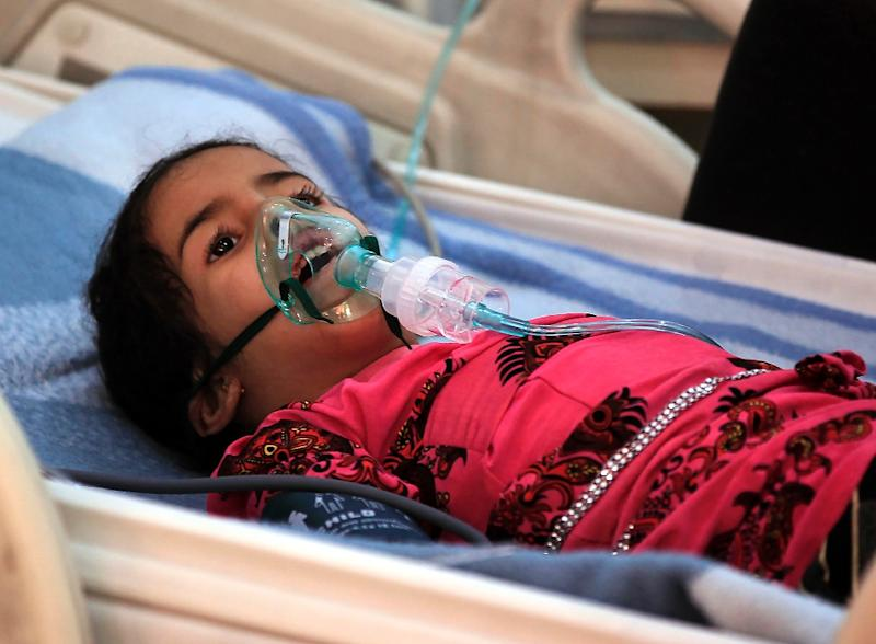 A Yemeni child suffering from diphtheria receives treatment at a hospital in the capital Sanaa on November 22, 2017 (AFP Photo/MOHAMMED HUWAIS)