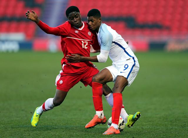 DONCASTER, ENGLAND - MARCH 27: Marcus Rashford of England (R) challenged by Gabriel Boakye of Canada during the U20 International Friendly match between England and Canada at the Keepmoat Stadium on March 27, 2016 in Doncaster, England. (Photo by Nigel Roddis/Getty Images)