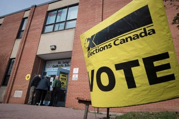 More than 365,000 Albertans who voted for the Conservative Party in 2019 parked their vote elsewhere or didn't vote at all in the 2021 election. (Tijana Martin/The Canadian Press - image credit)
