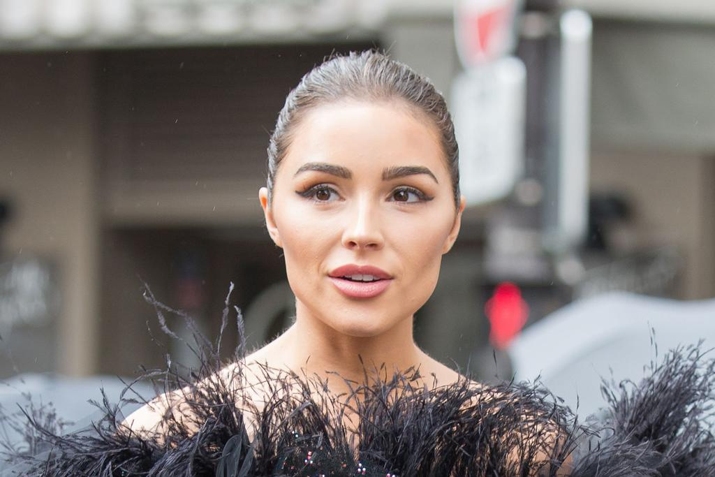 Olivia Culpo's High-Heeled Thong Sandals Take Her Crop Top & Jeans From Day to Night