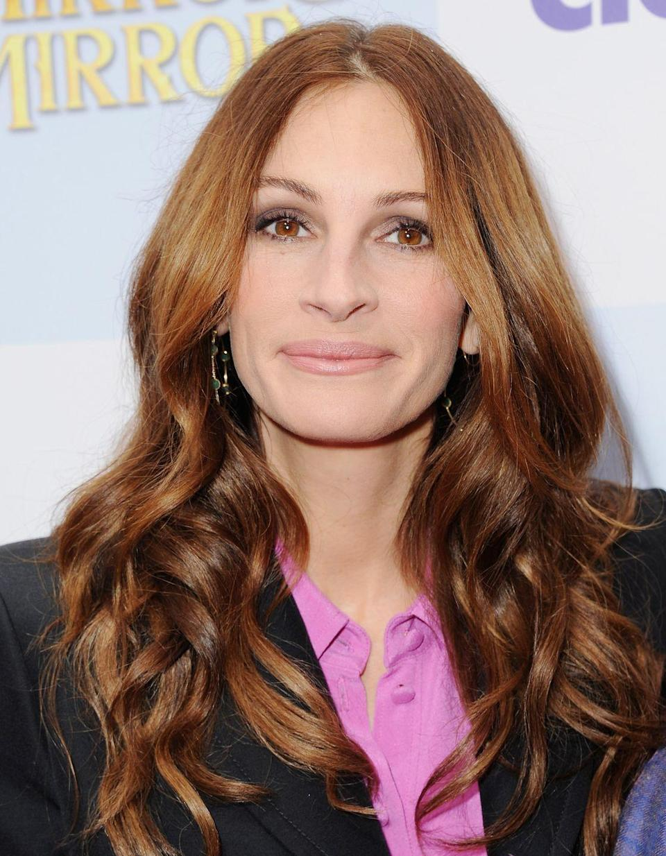 <p>Copper balayage anyone? Julia Robert's face framing copper strands melding into darker auburn lengths is a serious look.</p>