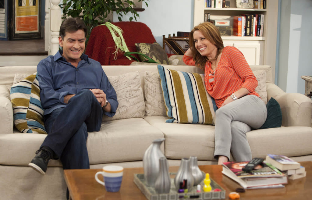 """Charlie Sheen and Shawnee Smith in """"Anger Management"""" on FX."""