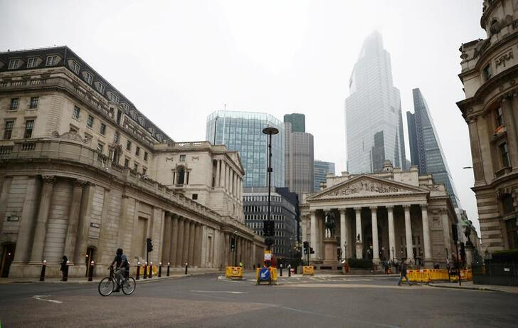 Bank of England tells banks to be ready for no-deal Brexit