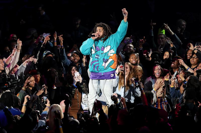 J. Cole's throwback Hornets jacket is '90s nostalgia done right.