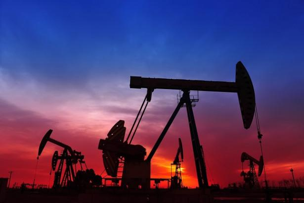 Oil Price Fundamental Daily Forecast – Gaining Support from Weaker U.S. Dollar