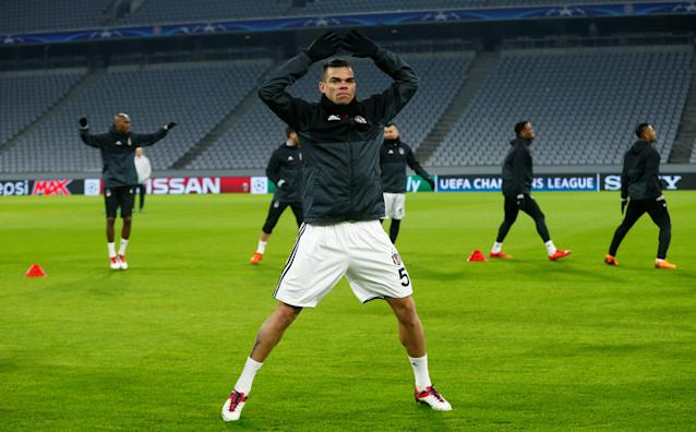 Soccer Football - Champions League - Besiktas Training - Allianz Arena, Munich, Germany - February 19, 2018 Besiktas' Pepe during training REUTERS/Ralph Orlowski
