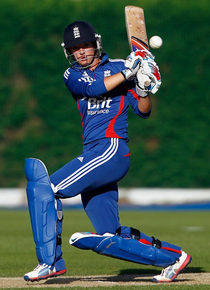 LOUGHBOROUGH, ENGLAND - SEPTEMBER 4: Sarah Taylor of England plays a stroke during the first NatWest Women's International T20 cricket match between England and Pakistan at Loughborough University on September 4, 2012 in Loughborough, England. (Photo by Paul Thomas/Getty Images)