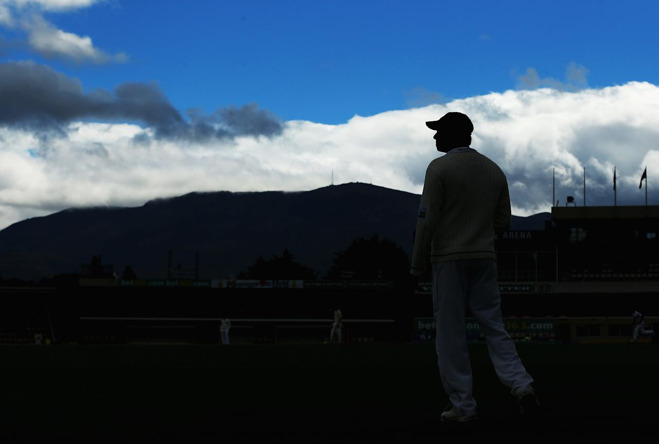 HOBART, AUSTRALIA - DECEMBER 15:  Angelo Mathews of Sri Lanka looks on in the field during day two of the First Test match between Australia and Sri Lanka at Blundstone Arena on December 15, 2012 in Hobart, Australia.  (Photo by Ryan Pierse/Getty Images)