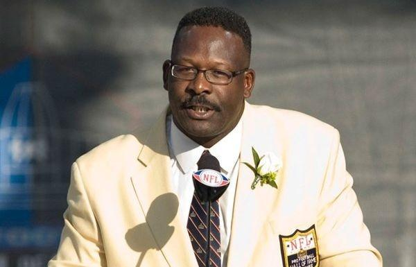Patriots Hall of Famer Andre Tippett loses his mother and stepfather to coronavirus