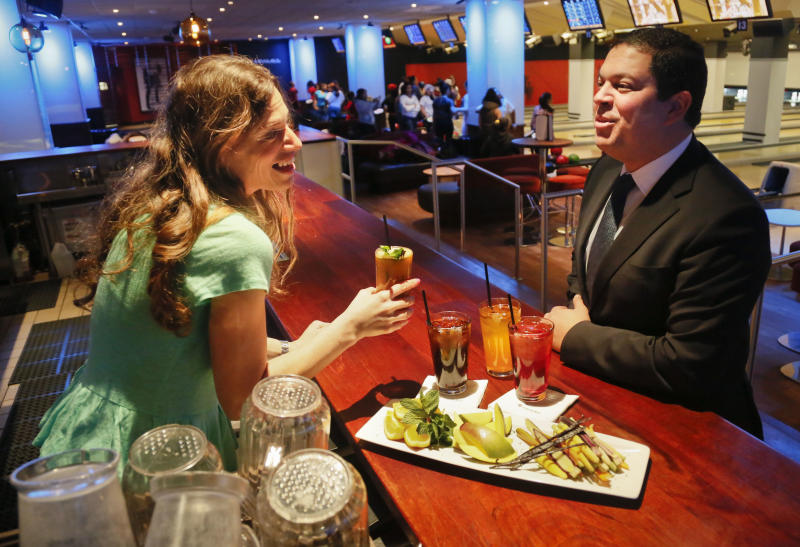NYC soda size rule eyed from coffee shops to clubs