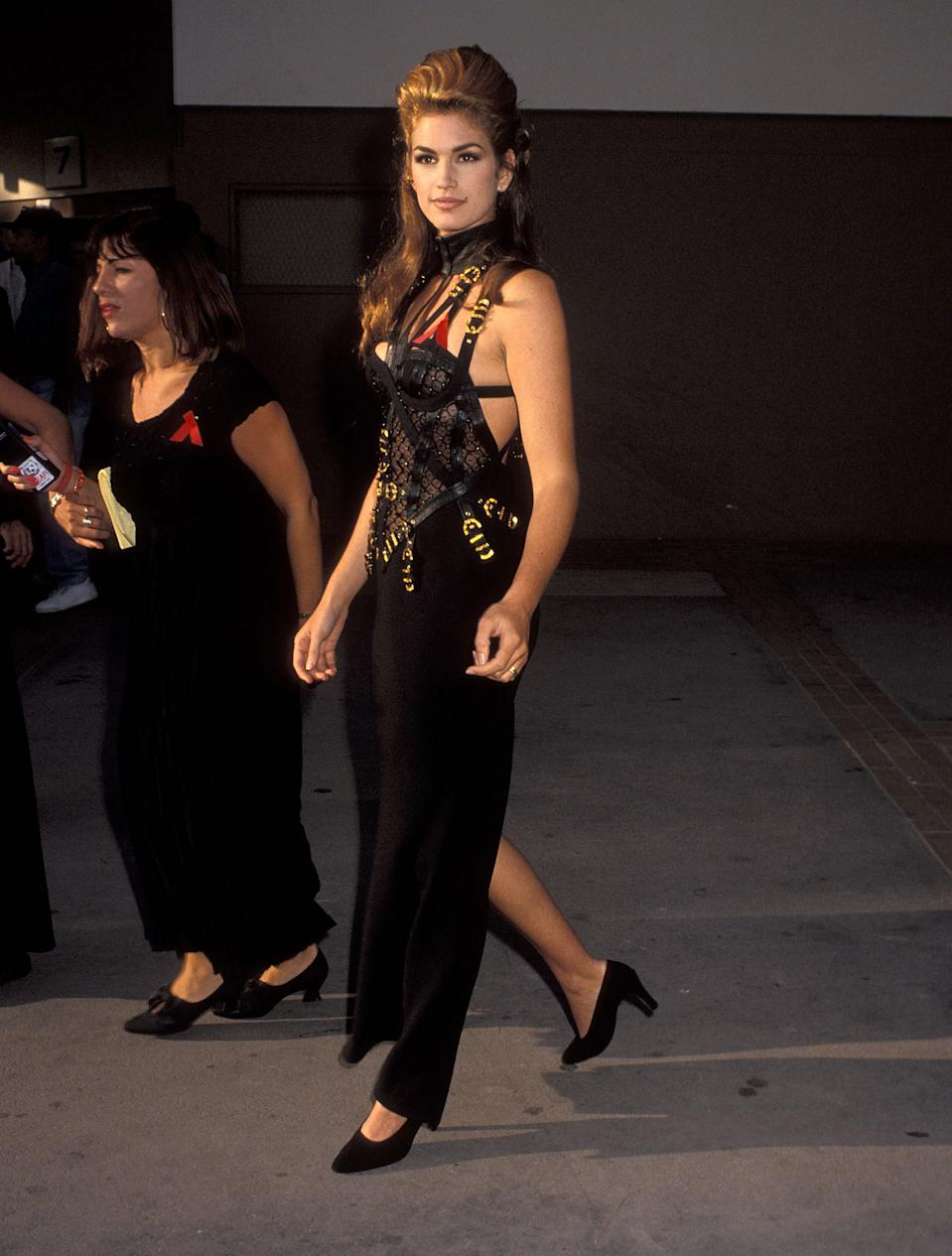 Model Cindy Crawford attends the MTV Video Music Awards on 9 September 1992. [Photo: Getty]