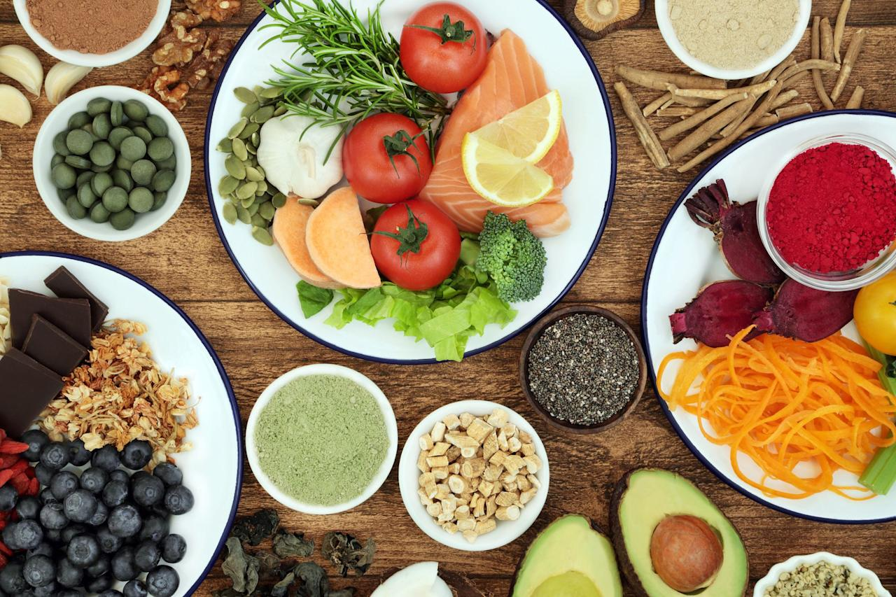 "<p>It's easy to remember to fill up on <a href=""https://www.bicycling.com/health-nutrition/a20043806/best-post-workout-foods/"" target=""_blank"">protein</a> after a workout to help fuel your recovery, or <a href=""https://www.bicycling.com/health-nutrition/a26944582/how-alex-howes-fuels/"" target=""_blank"">carb-load</a> before a long ride, but you can forget to fuel another very important organ-your brain. Here are some researched-backed foods that will help promote healthy brain function and protect your brain as you age. </p>"