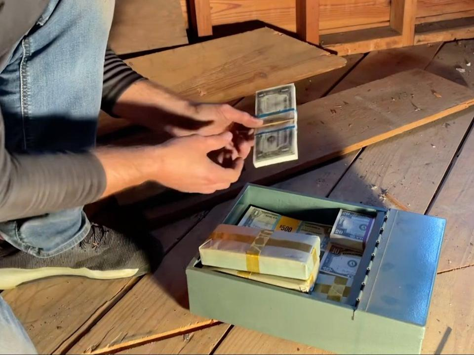 Treasure hunter helps family uncover hidden box with $46,000 in cash (YouTube / RediscoverLost)