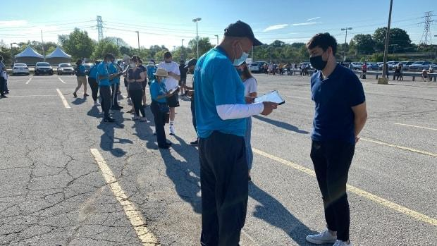 Mostly young people register for vaccinations at Warden Hilltop Community Centre, Scarborough, on June 29.  (Paul Smith/CBC - image credit)