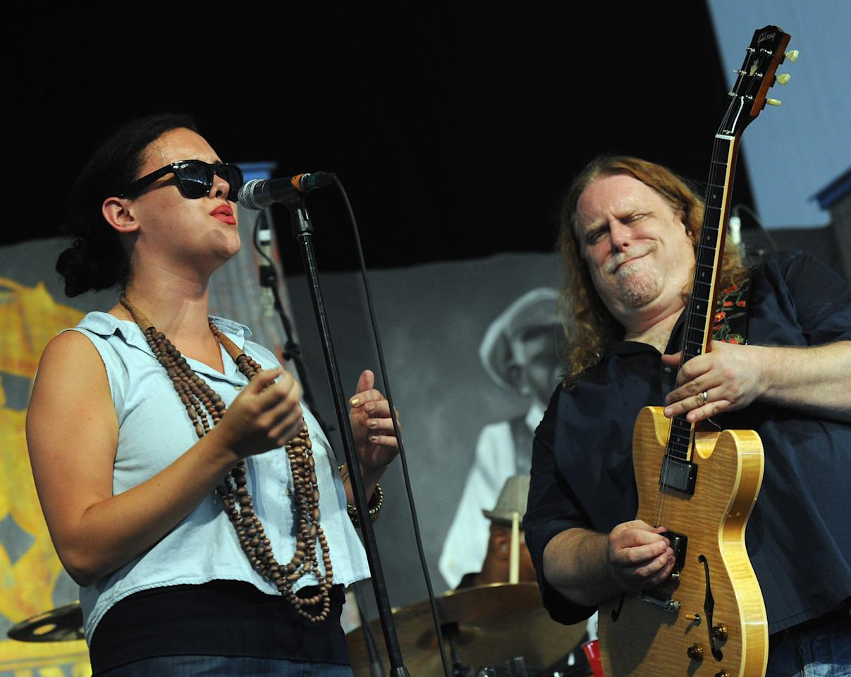NEW ORLEANS, LA - MAY 05:  Alecia Chakour and Warren Haynes performs during the 2012 New Orleans Jazz & Heritage Festival - Day 6 at the Fair Grounds Race Course on May 5, 2012 in New Orleans, Louisiana.  (Photo by Rick Diamond/Getty Images)