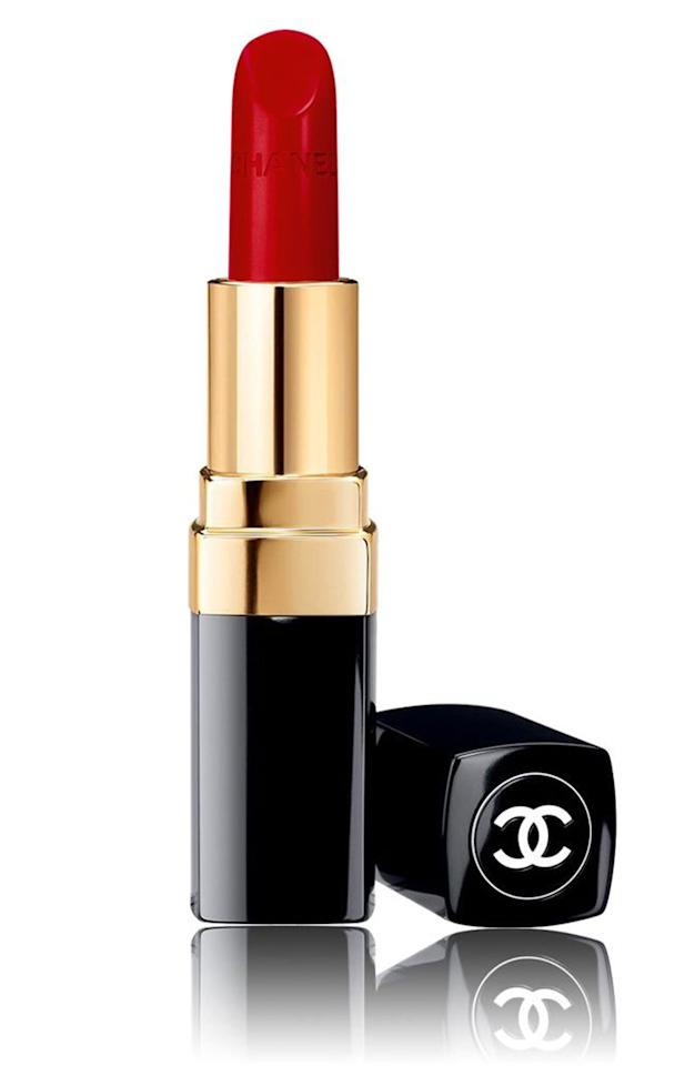 """<p><strong>CHANEL</strong></p><p>nordstrom.com</p><p><strong>$38.00</strong></p><p><a href=""""https://go.redirectingat.com?id=74968X1596630&url=https%3A%2F%2Fshop.nordstrom.com%2Fs%2Fchanel-rouge-coco-ultra-hydrating-lip-colour%2F3960978&sref=https%3A%2F%2Fwww.elledecor.com%2Fshopping%2Fg2518%2Fmothers-day-gifts%2F"""" target=""""_blank"""">Shop Now</a></p><p>A red lipstick is a must-have for any woman. This low-maintenance formula is moisturizing and available in a slew of flattering red shades. </p>"""