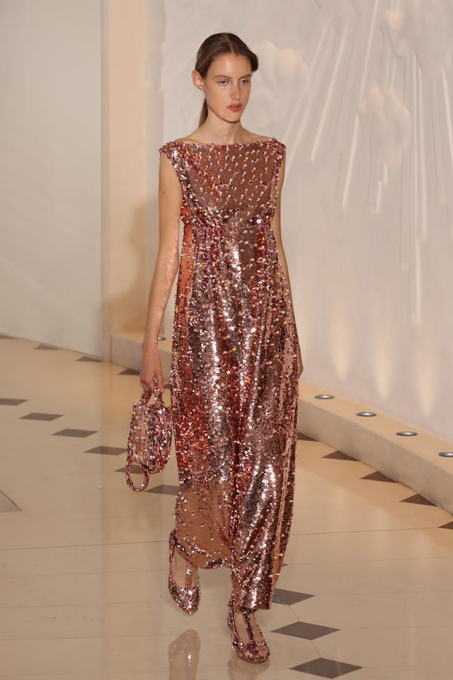 <p>Head-to-toe sequins. </p>