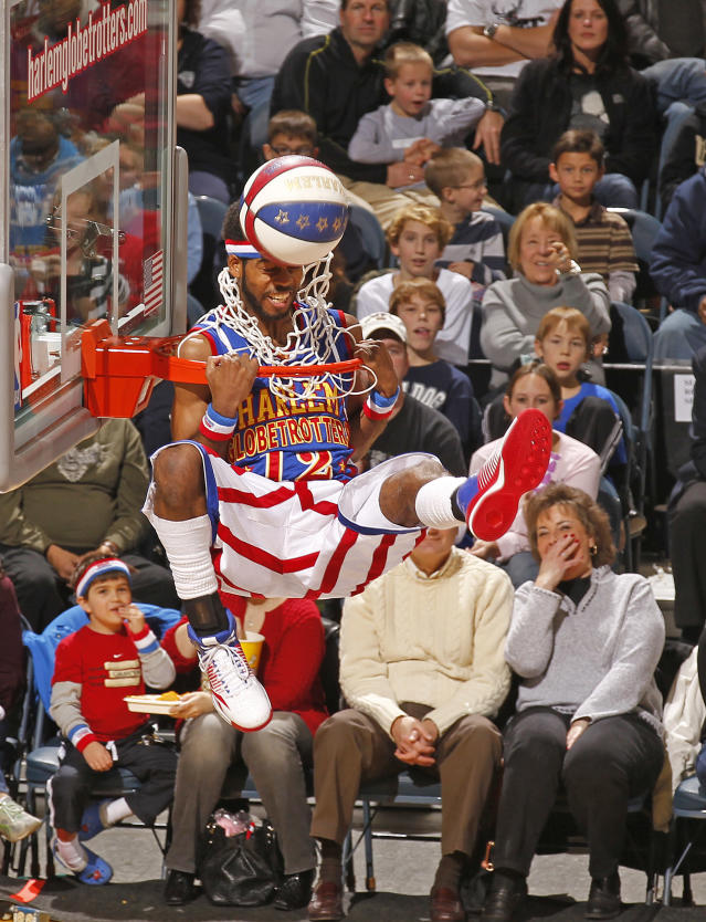 The Harlem Globetrotters entertain fans at the Bradley Center in Milwaukee, Wi., Friday, Dec, 31,2010. (Jeffrey Phelps for the Harlem Globetrotters)