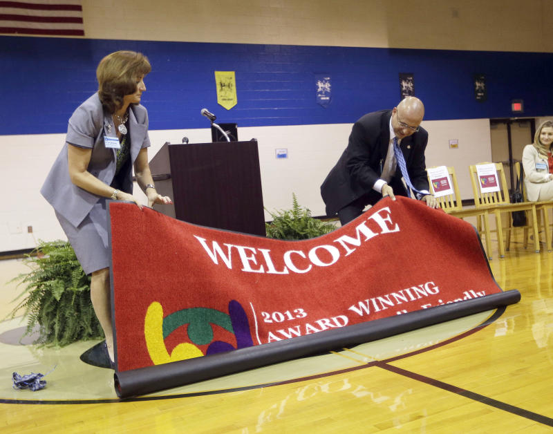 Schools learn to roll out red carpet for parents