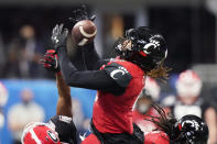 Cincinnati quarterback Ben Bryant (6)makes the catch against Georgia during the second half of the Peach Bowl NCAA college football game, Friday, Jan. 1, 2021, in Atlanta. (AP Photo/Brynn Anderson)