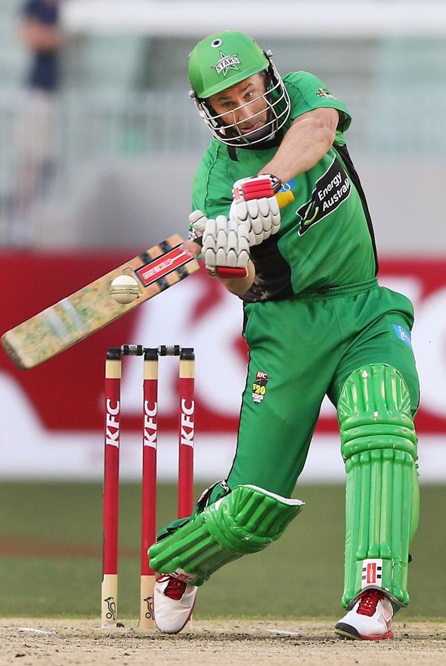 MELBOURNE, AUSTRALIA - JANUARY 06:  David Hussey of the Melbourne Stars hits a six during the Big Bash League match between the Melbourne Stars and the Melbourne Renegades at Melbourne Cricket Ground on January 6, 2013 in Melbourne, Australia.  (Photo by Michael Dodge/Getty Images)