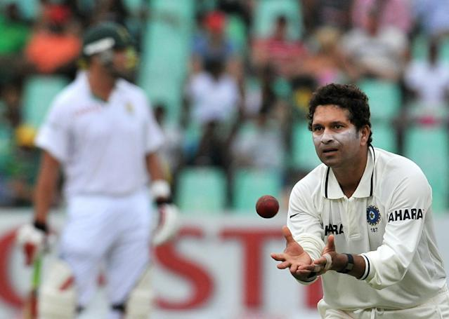 India's bowler Sachin Tendulkar in action during South Africa's 2nd innings on the third day of the second Test at Kingsmead Stadium in Durban on December 28, 2010. AFP PHOTO / ALEXANDER JOE (Photo credit should read ALEXANDER JOE/AFP/Getty Images)
