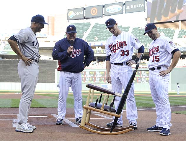 Twins Give Mariano Rivera Rocking Chair Made Of Broken Bats
