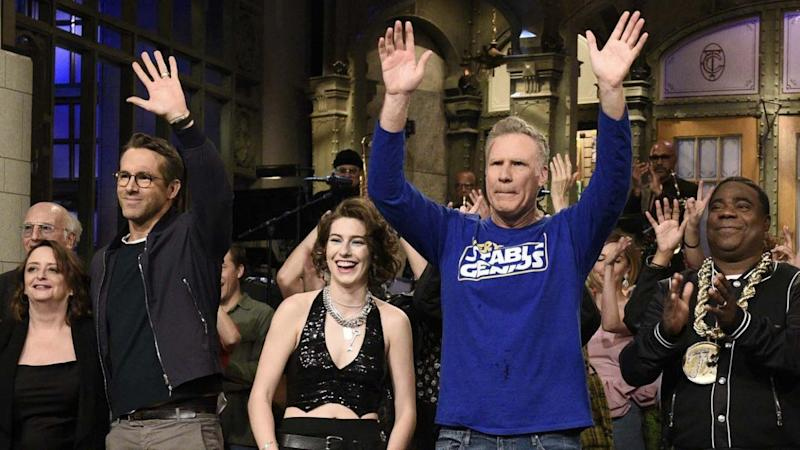 Ryan Reynolds Drops By Will Ferrell's Hilariously Awkward 'Saturday Night Live' Monologue