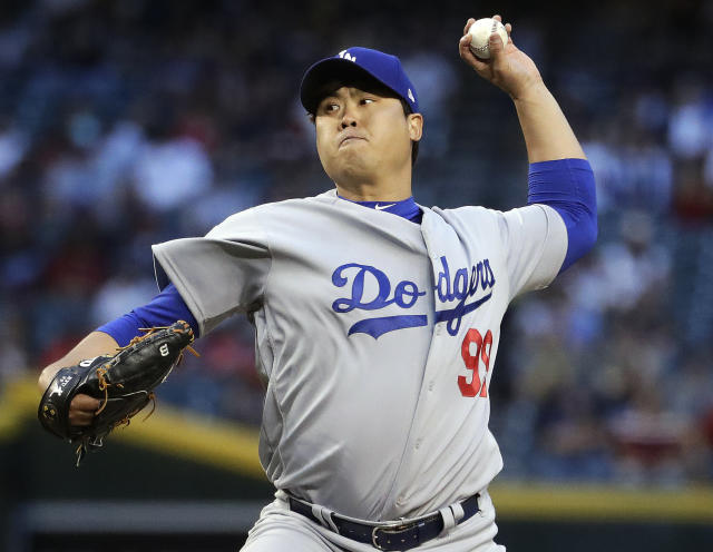 "The Dodgers got more bad news Wednesday when  <a class=""link rapid-noclick-resp"" href=""/mlb/players/9317/"" data-ylk=""slk:Hyun-Jin Ryu"">Hyun-Jin Ryu</a> left their game against the Diamondbacks with a groin strain. (AP)"