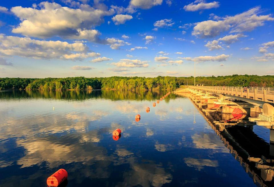<p>Touted as Ohio's first true resort, Geneva-on-the-Lake teems with all the charm of a small town, complete with breweries, boutiques, and every summer activity under the sun.</p>