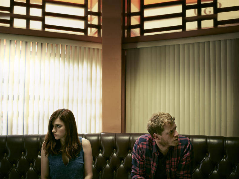 """Aya Cash as Gretchen and Chris Geere as Jimmy in """"You're the Worst."""" (Autumn de Wilde/FXX)"""