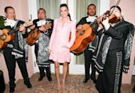 <p>Penélope Cruz and the traditional Mariachi band in 2020</p>
