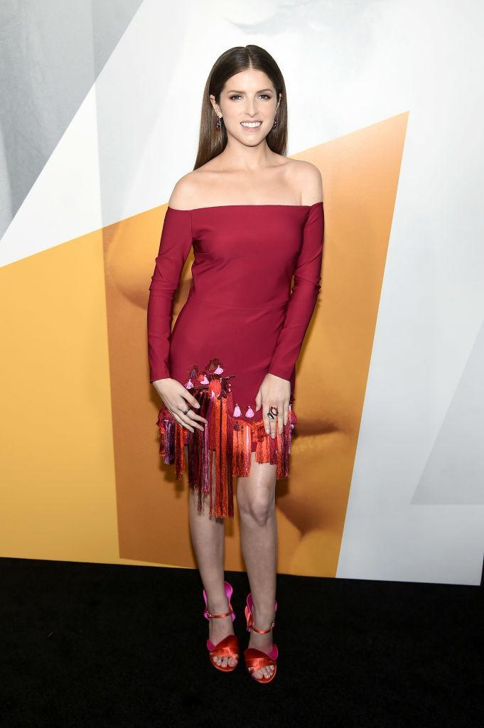 <p>Anna Kendrick opted for a cold-shoulder dress with tassles (and co-ordinating colour block heels) by Cushnie for the premiere of 'A Simple Favor'. <em>[Photo: Getty]</em> </p>
