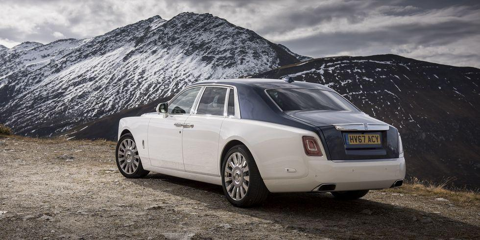 <p>Though many Phantom owners don't actually drive their cars, we're sure they'd appreciate riding in a car with a bigger greenhouse and even more space for luggage. </p>