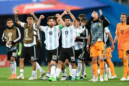 Many felt it was the team's structure that had failed their star player, leading to calls for Sampaoli to be sacked and rumours of revolt within the squad
