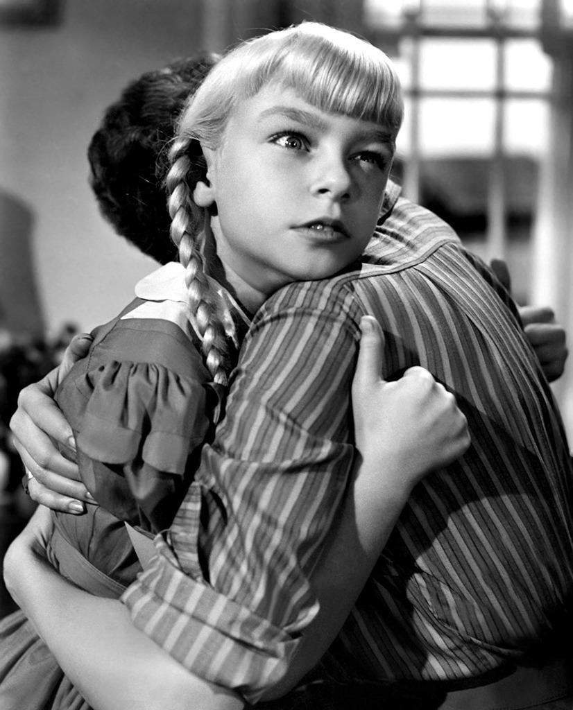 <p>The grandmother of creepy onscreen kids, Patty McCormack played a seemingly innocent killer kid in the 1956 horror movie 'The Bad Seed.' (Photo: Everett)</p>