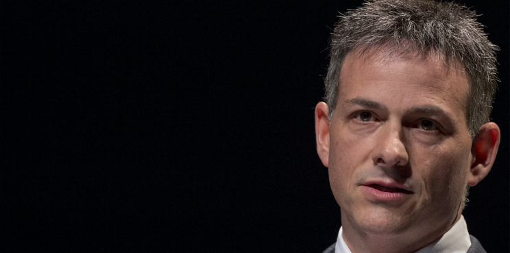 David Einhorn, founder and president of Greenlight Capital, speaks during the Sohn Investment Conference in New York May 4, 2015. REUTERS/Brendan McDermid